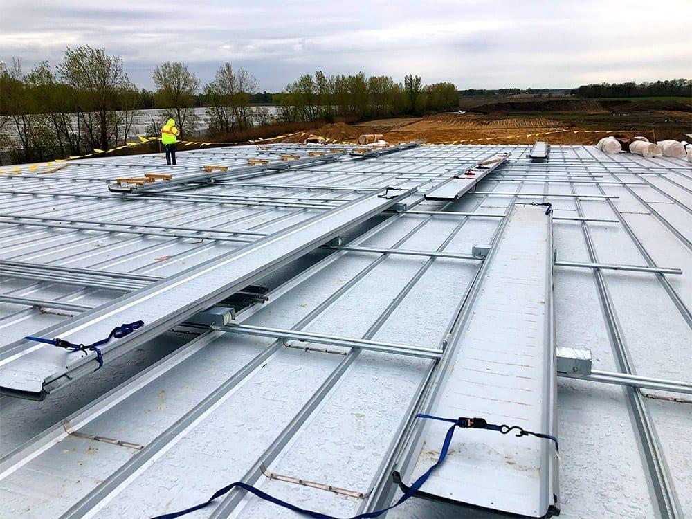 Reefer trailer plant roof