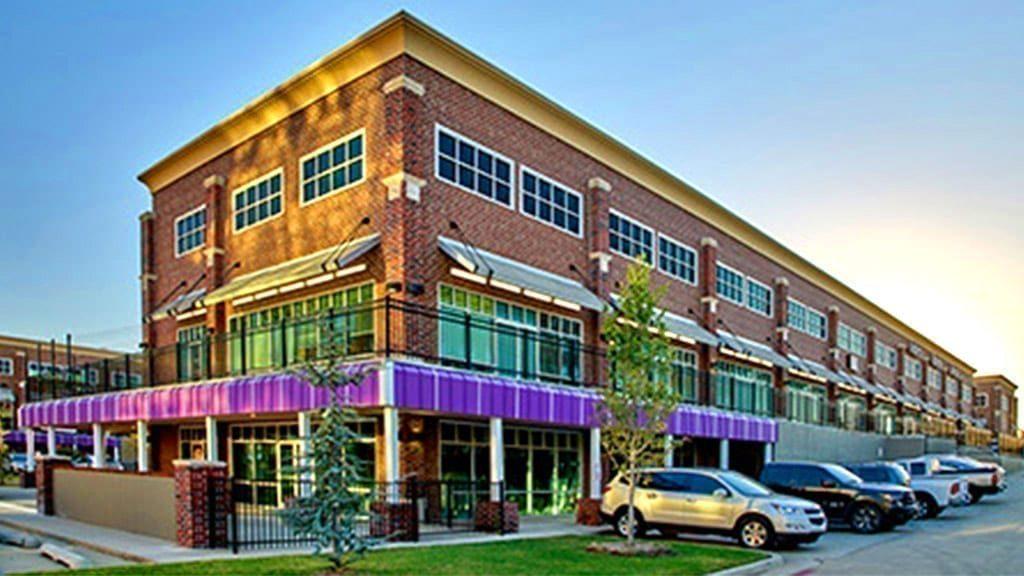 Regal Plaza Business District